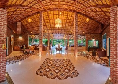 ACORN HIDEAWAY RESORT AND SPA (3)