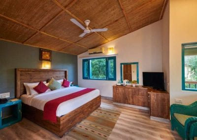 ACORN HIDEAWAY RESORT AND SPA (8)